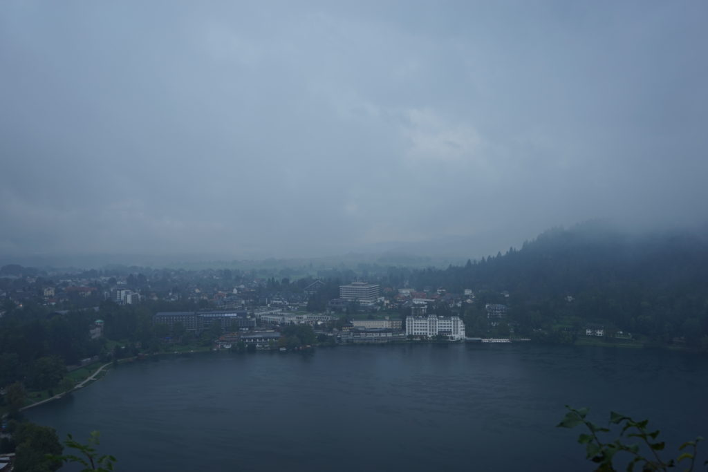 DSC02811 1024x683 - 【スロベニア ブレッド湖・ボヒニュ湖・ヴィントガル渓谷】リュブリャナからブレッド湖への行き方とその魅力的な景色・雰囲気。