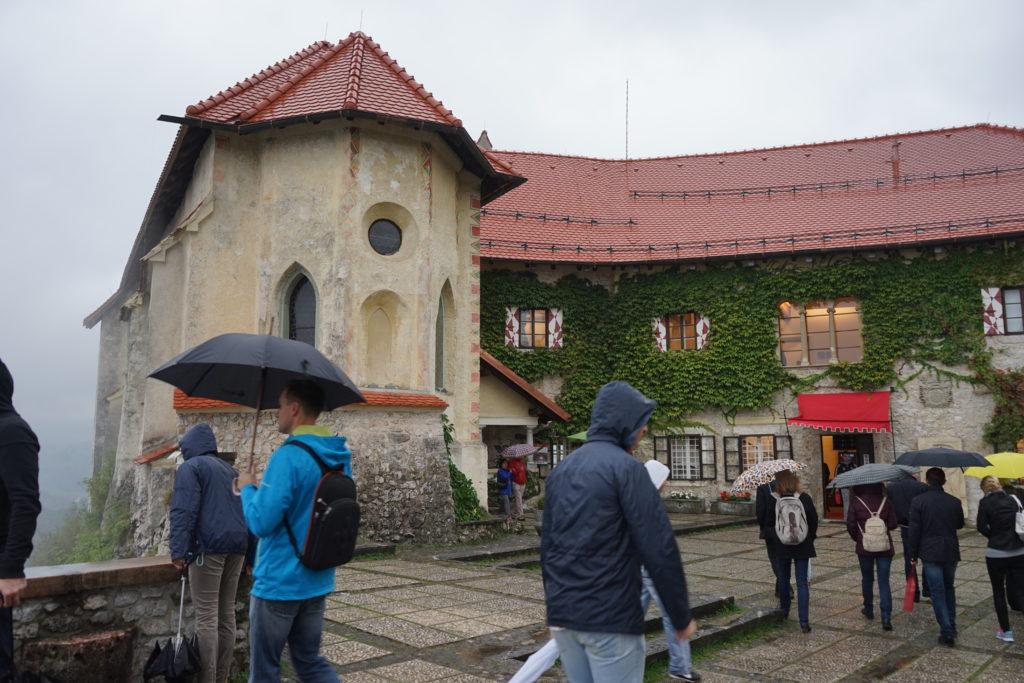 DSC02815 1024x683 - 【スロベニア ブレッド湖・ボヒニュ湖・ヴィントガル渓谷】リュブリャナからブレッド湖への行き方とその魅力的な景色・雰囲気。