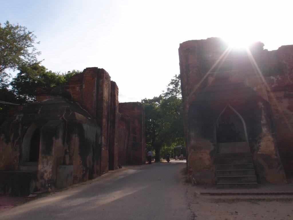 P8120780 1024x768 - 【ミャンマー バガン】ヤンゴンからバガンへの行き方/バガンの歩き方