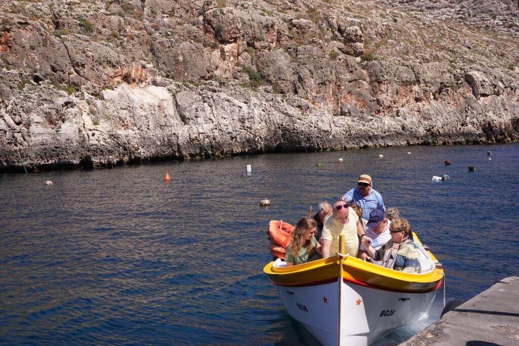 DSC06667 1024x683 - 【マルタ旅行記2】蒼い海と極彩色。他に何かいる? Blue Grotto(青の洞門)