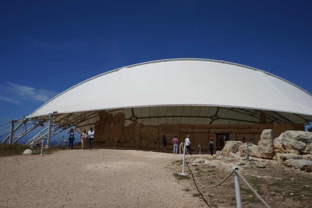 DSC06695 1024x683 - 【マルタ旅行記3】蒼い海と極彩色。他に何かいる?ハジャーイム神殿