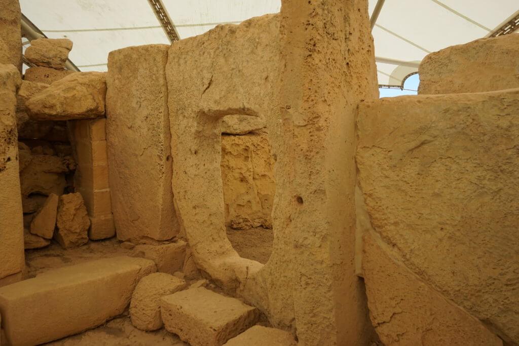 DSC06700 1024x683 - 【マルタ旅行記3】蒼い海と極彩色。他に何かいる?ハジャーイム神殿