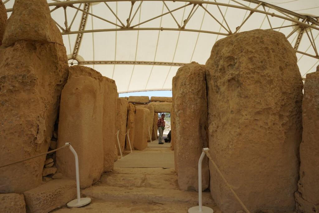 DSC06703 1024x683 - 【マルタ旅行記3】蒼い海と極彩色。他に何かいる?ハジャーイム神殿