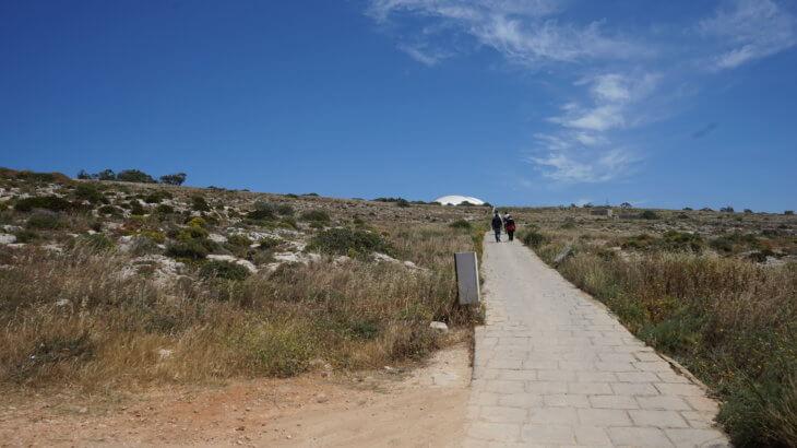 DSC06717 730x410 - 【マルタ旅行記3】蒼い海と極彩色。他に何かいる?ハジャーイム神殿