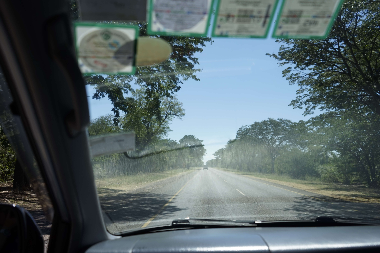 DSC2485 1 - 【ジンバブエ旅行記4】初めてのアフリカ・ジンバブエひとり旅!アフリカでも輝く日本の中古車
