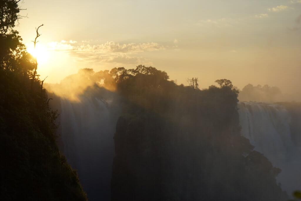 DSC2908 1024x683 - 【ビクトリアフォールズ】息を飲む景色!ビクトリアの滝への行き方と楽しみ方