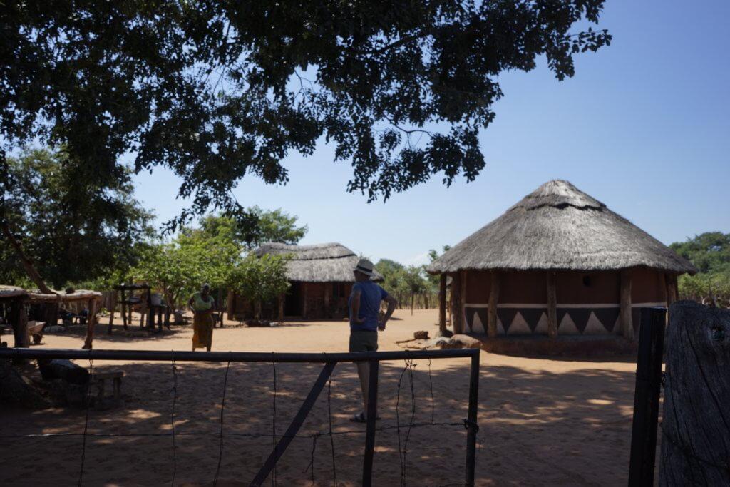 DSC3083 1024x683 - 【ジンバブエ旅行記5】初めてのアフリカ・ジンバブエひとり旅!電気も水道もない村