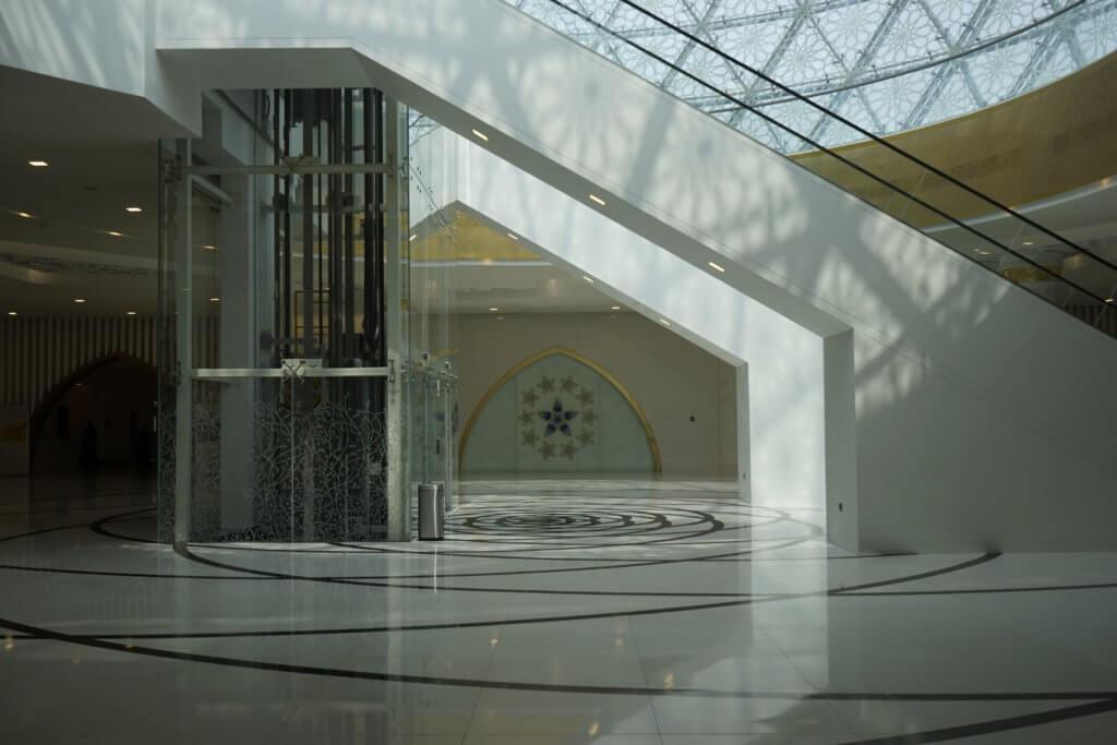 DSC5806 1024x683 - 【UAE アブダビ】アブダビ最高の観光地!贅を尽くしたシェイクザイードグランドモスク