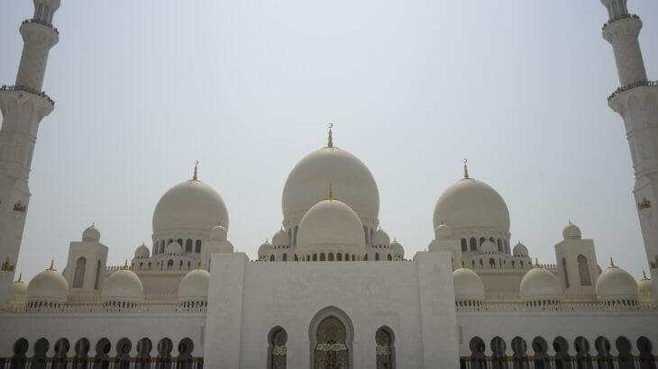 DSC5817 730x410 - 【UAE アブダビ】アブダビ最高の観光地!贅を尽くしたシェイクザイードグランドモスク