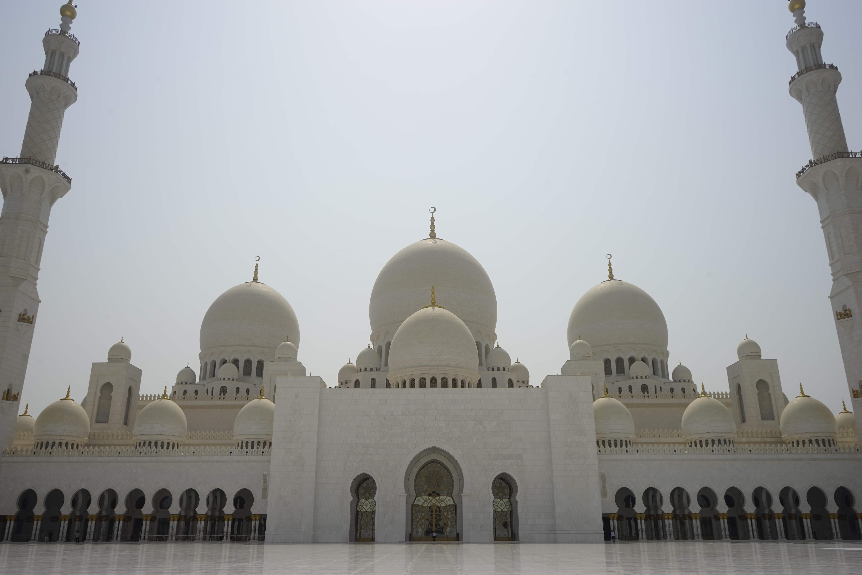 DSC5817 - 【UAE アブダビ】アブダビ最高の観光地!贅を尽くしたシェイクザイードグランドモスク