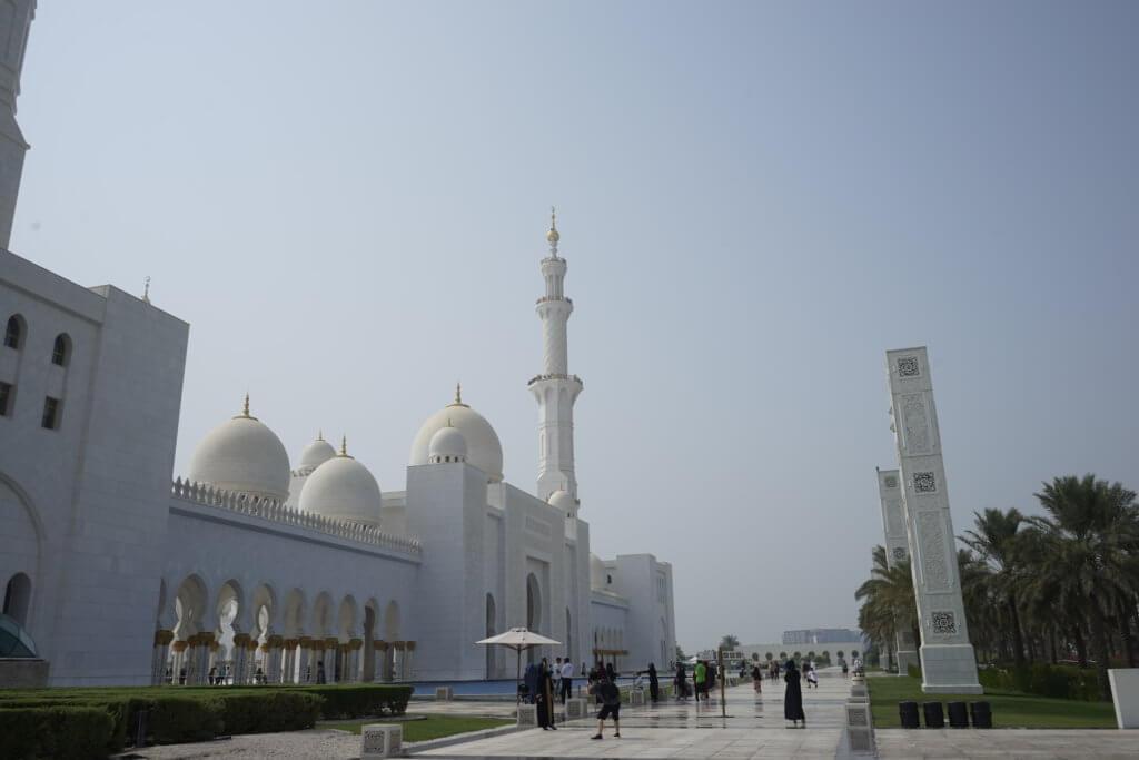 DSC5853 1024x683 - 【UAE アブダビ】アブダビ最高の観光地!贅を尽くしたシェイクザイードグランドモスク