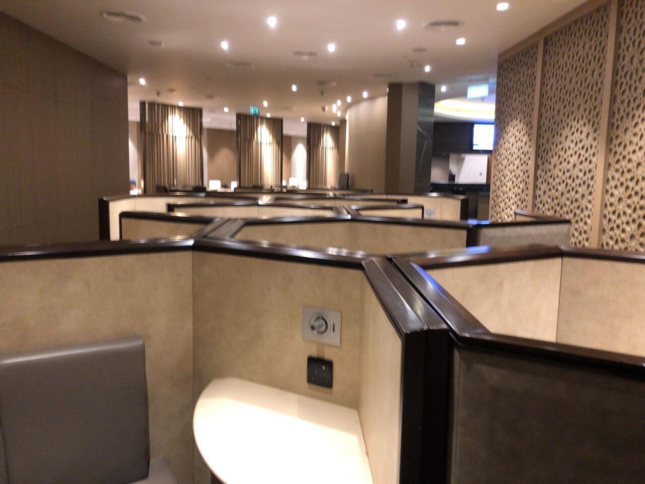 IMG 5005 - 【UAE アブダビ】プライオリティーパスが使えるアブダビ空港のラウンジ