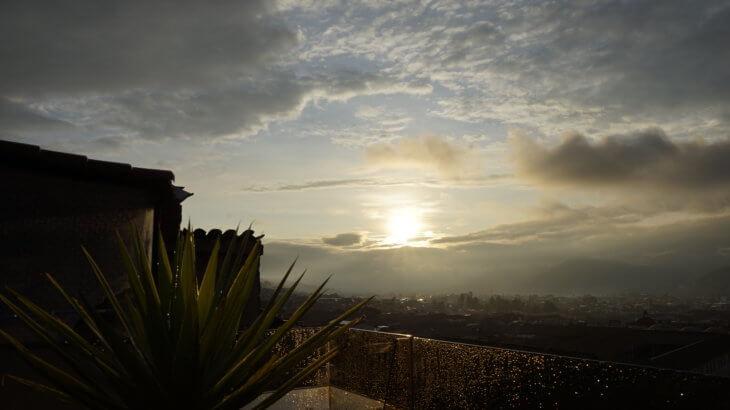DSC7627 730x410 - 【ペルー クスコ】雨と光と爆竹と。2020年へのカウントダウン(6)クスコの初日の出