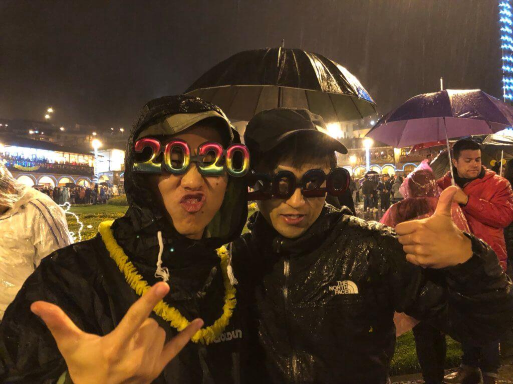 IMG 5934 1024x768 - 【ペルー クスコ】雨と光と爆竹と。2020年へのカウントダウン(4)アルマス広場のカウントダウン