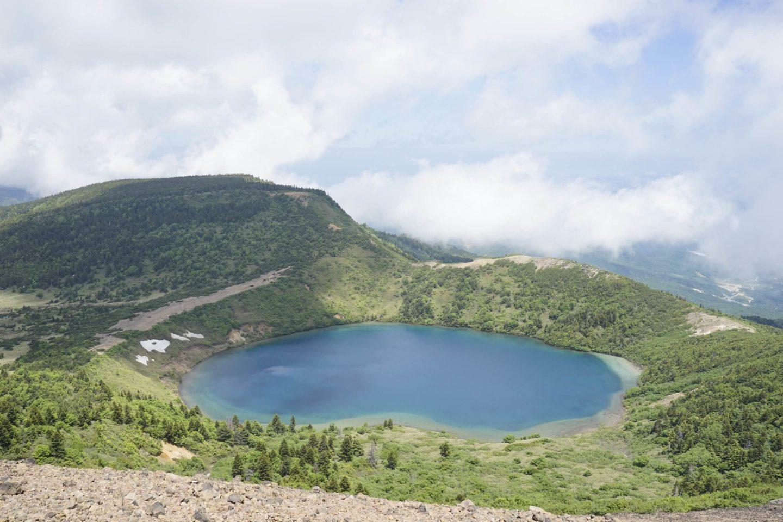 DSC8673 scaled - 【福島 一切経山】初心者でも気軽にトレッキング!エメラルドな湖を見に一切経山へ!