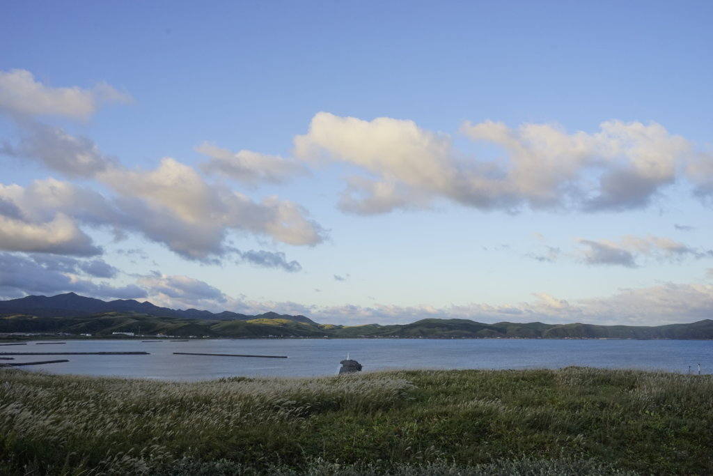 DSC9553 1024x683 - 【北海道 礼文島】なだらかな山と海の絶景(3)-日の出、使われない空港、北のカナリアパーク。