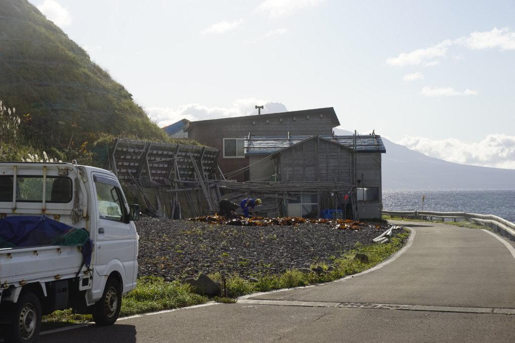 DSC9583 1024x683 - 【北海道 礼文島】なだらかな山と海の絶景(3)-日の出、使われない空港、北のカナリアパーク。