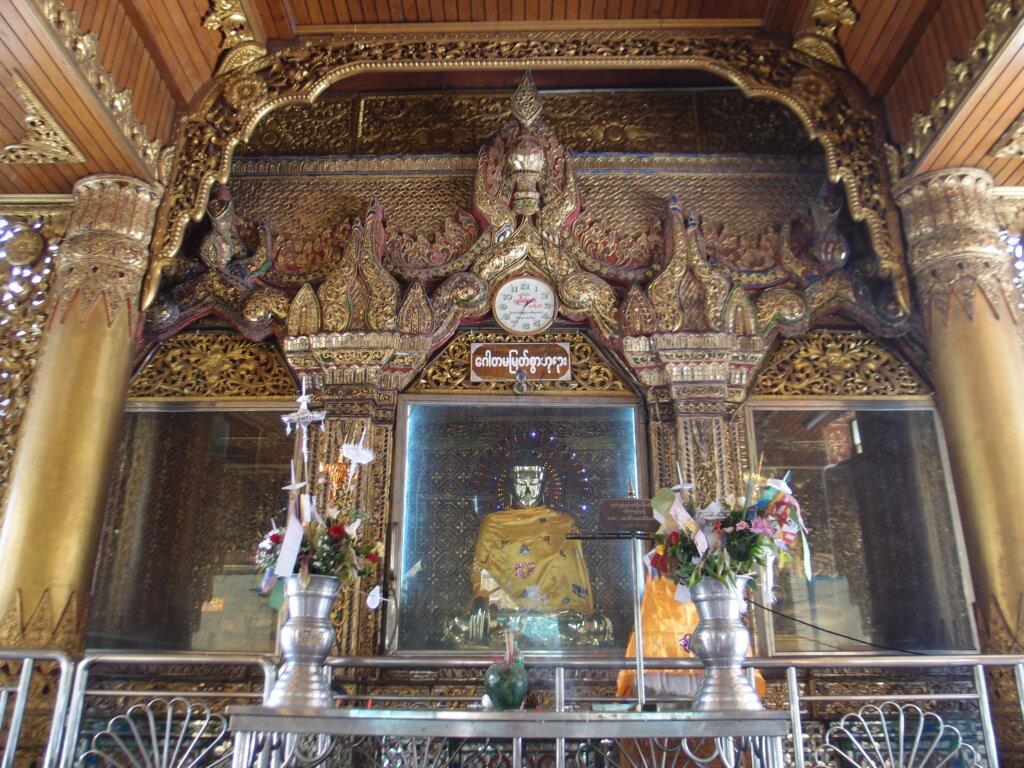 P8141145 1024x768 - 【ミャンマー ヤンゴン】東南アジアなエネルギーのシワに詰まった、夢と永遠と平和とミャンマー